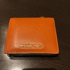Michael Kors Dark Orange wallet — BARELY USED